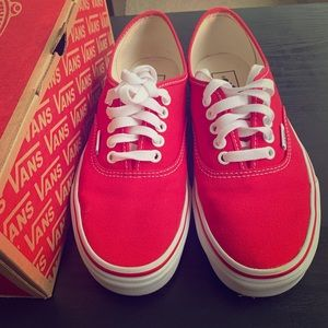 VANS AUTHENTIC RED SIZE 7.0